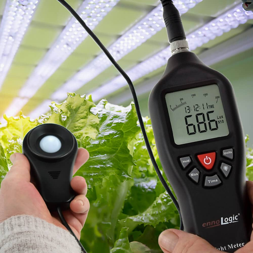 measuring hydroponics light intensity with ennoLogic light meter eL200K