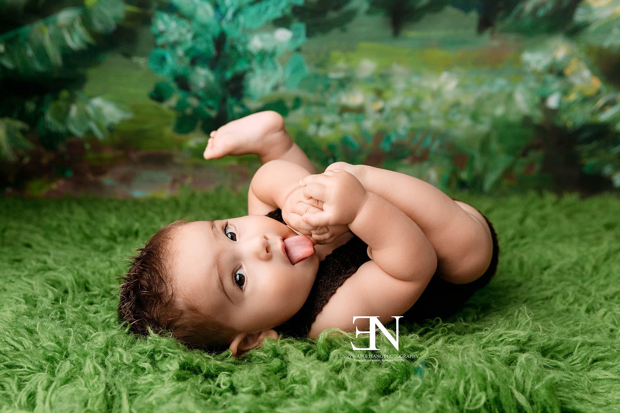 Fotografo bambini 6 mesi mangia piedini Milano, Monza, Pavia, Bergamo, Pavia