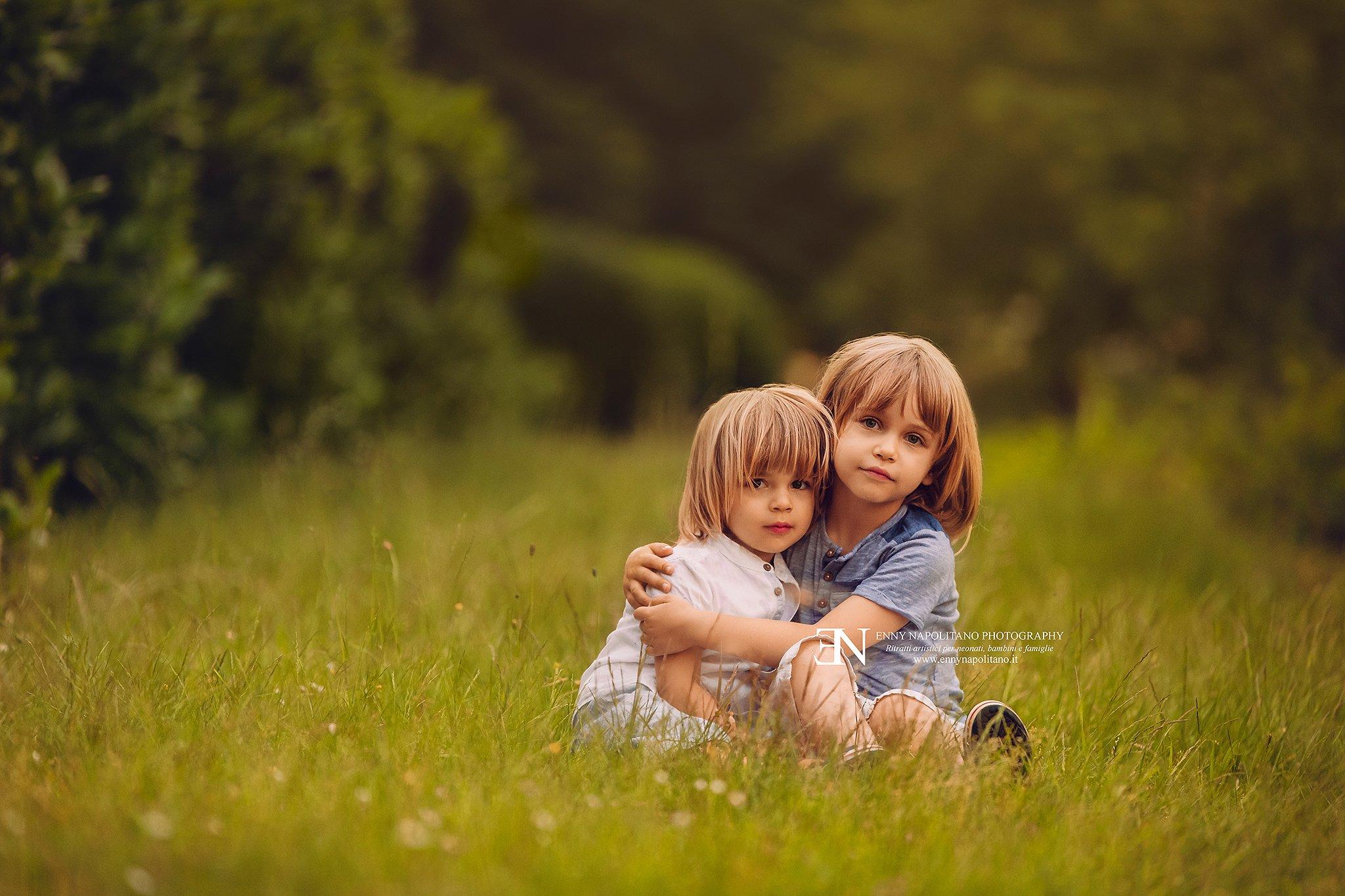 Servizio fotografico bambini esterna famiglia Milano
