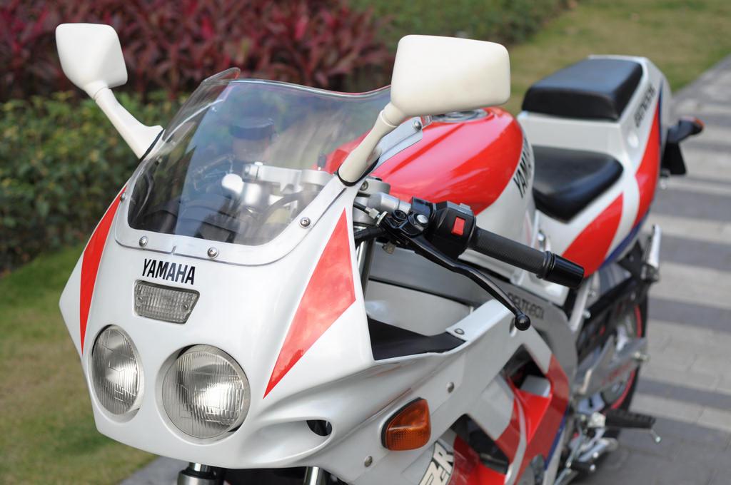 Spesifikasi Yamaha Fzr
