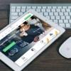 「こいつ…使い方を完全に理解している!」iPadを器用に使いこなすオウムが話題に