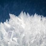 凍った湖面が凶器と化す! ミシガン湖の冬景色が幻想的すぎると話題に