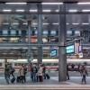 西船橋駅…列車が来ないからって電光掲示板で遊ぶなよw