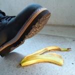 【意外】バナナの皮よりも100倍滑る!? 地面に落ちていたら要注意な食材がコチラ!