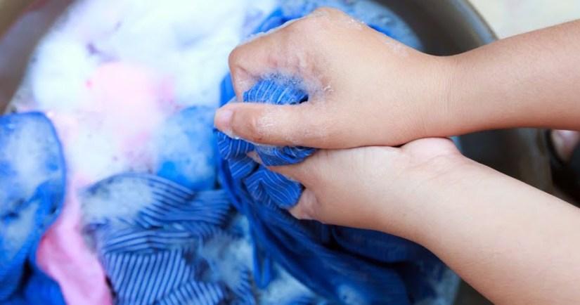 Cara Mencuci Baju Batik Wanita