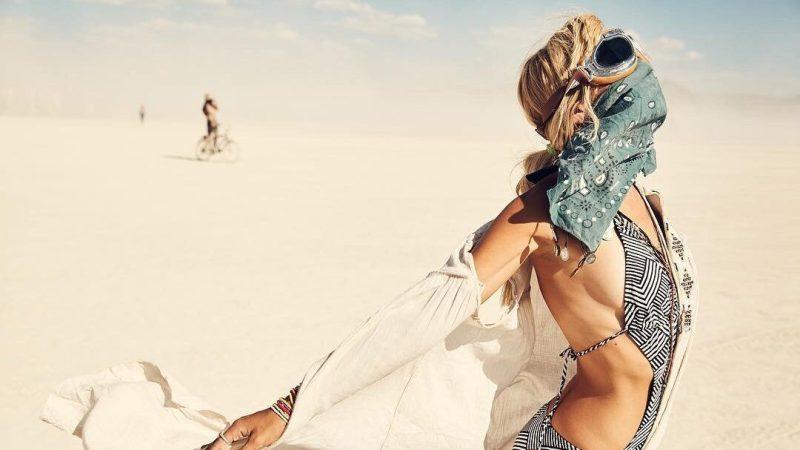 """Фестиваль """"Бернинг мэн"""", можно ходить в чем угодно и даже """"без"""": Фото девушек и парней с фестиваля """"Burning man"""". Как он появился и его принципы. Девушки и парни на фестивале """"Бернинг мэн"""" (Burning man), откровенная одежда, максимум позитива и запрет оставаться в стороне. Наряды девушек и парней на фестивале Burning man"""