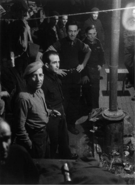 Spanish_anti-fascist_prisoners_of_war_in3