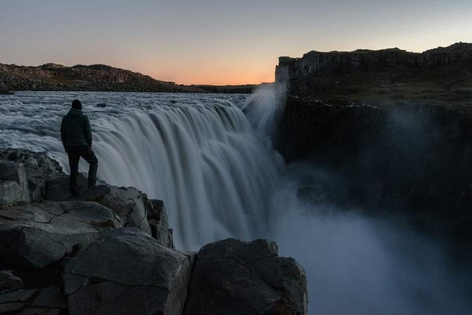 Réaliser ses rêves de voyages grâce à en pleine traversée. voyage organisation rêve peur cascade