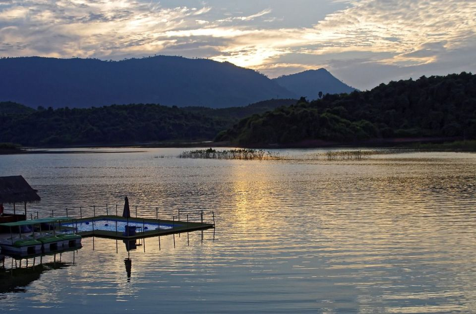 Paysage de la région de Vang Vieng au Laos pour le TAG de voyages. Conseils En pleine traversée.