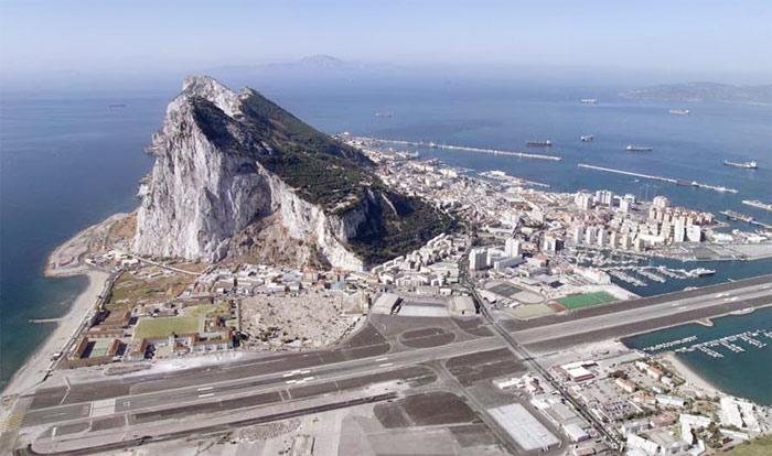 gibraltar-paraisos fiscales-peñon de Gibraltar.runway
