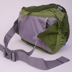 A pochete ainda por cima é confortável e muito bem pensada!