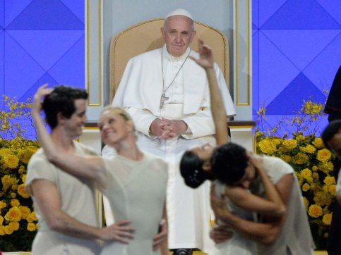 Pope Francis watches The Pennsylvania Ballet at Festival of Families. Robert Deutsch, USA TODAY