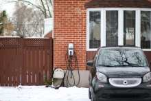 5 Tips to Pick a Winter-ready Home Charging Station