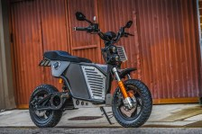 Screenshot_2019-08-31 Fonzarelli announces the NKD, an Aussie electric motorcycle