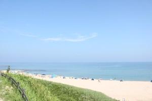 琴引浜の透き通るような砂浜