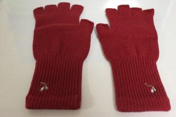 小豆島産のオリーブオイルを使用した手袋