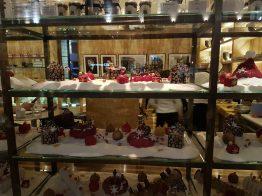 Vetrina di una pasticceria (che sembra una gioielleria) su Regent Street