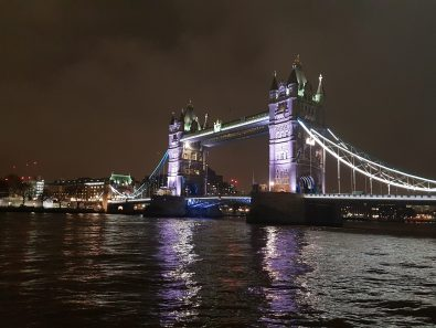 London Bridge (altresì noto come Tower Bridge)