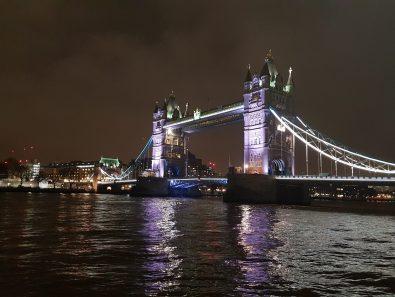 London Bridge (altresì noto come Tower Bridge)