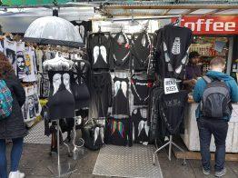 Qualche oggetti garbato in vendita a Camden Town