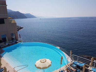 Umile piscina a Rapallo