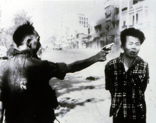 Eddie Adams - Viet Cong