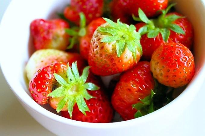 Strawberry and Basil mojito, strawberries