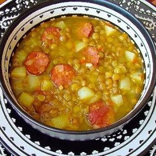 Sopa de lentejas con chorizo