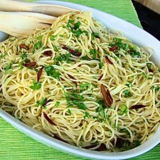 Pasta aglio e olio {ajo y aceite de oliva}