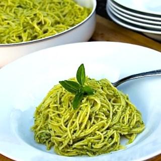 Pesto alla Genovese {Basil & Pine Nuts Pesto}