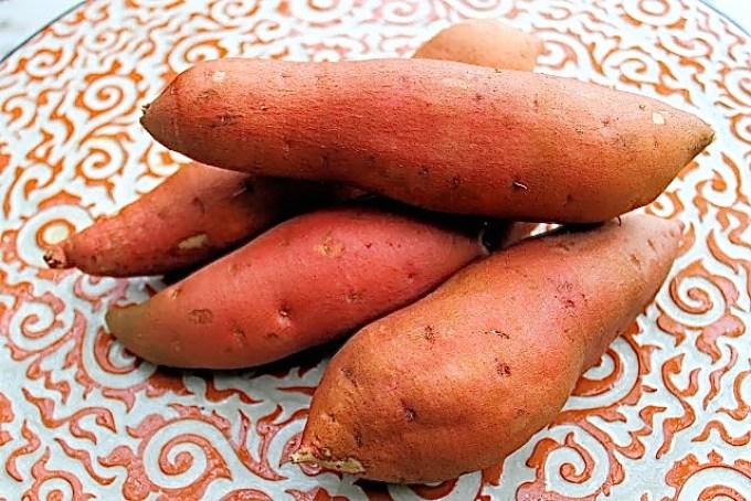 Batatas asadas con arugula y pecanas - SAVOIR FAIRE by enrilemoine