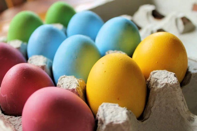 Dyed Easter Eggs - SAVOIR FAIRE by enrilemoine