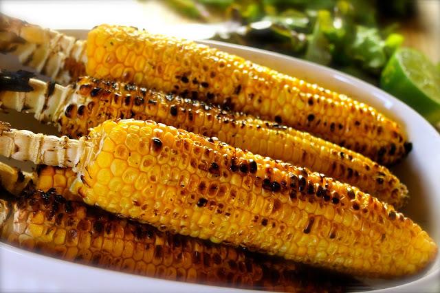 Mazorcas de maíz a la parrilla