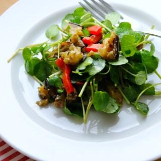 Ensalada de berros con vegetales al grill