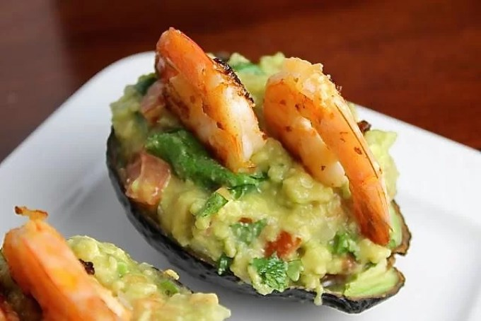 Avocado and Shrimp Canoes - SAVOIR FAIRE by enrilemoine