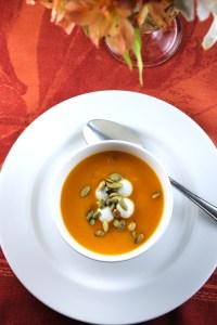 Sopa de calabaza, chevre y pepitas - SAVOIR FAIRE by enrilemoine
