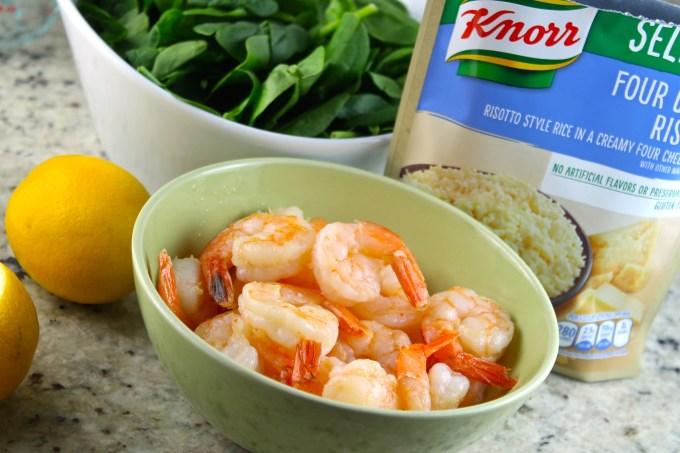 camarones, langostinos, ingredientes para risotto de camarones y espinaca