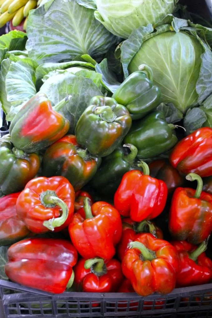 red bell peppers to make eggs with sofrito