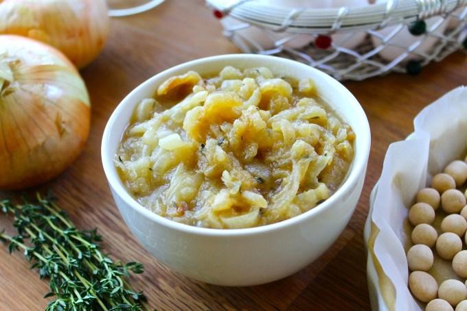 caramelized Vidalia onions to make Vidalia Onion quiche