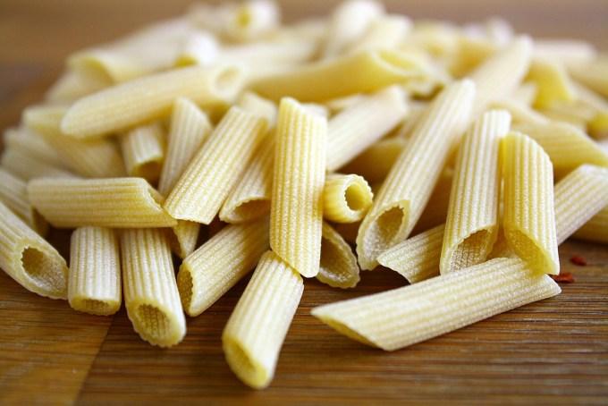 penne pasta to make penne arrabiata
