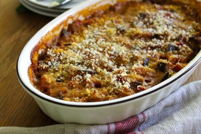 gratín de berenjenas y tomates con anchoas