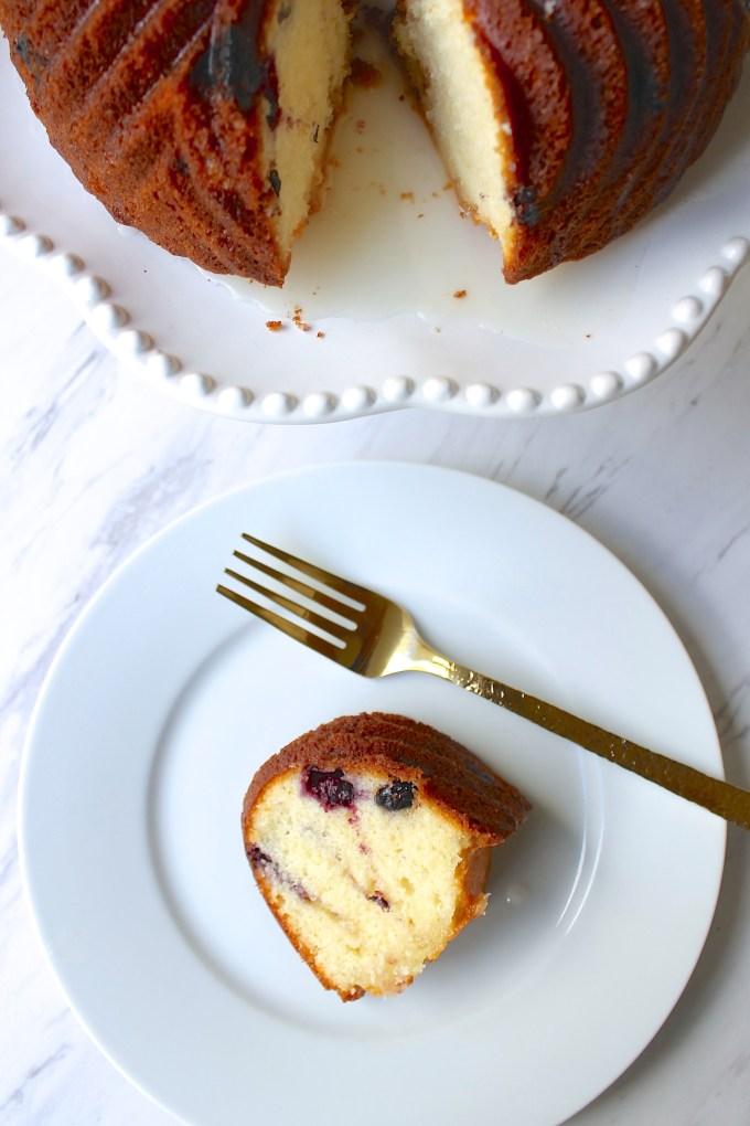 Blueberry and Lemon Pound Cake by enrilemoine
