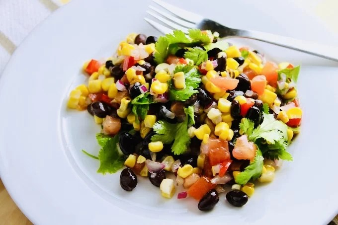 salsa salad made of beans and corn