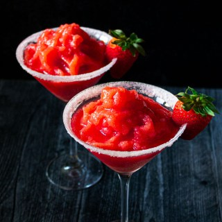 Daiquirí frappé de fresas + VIDEO
