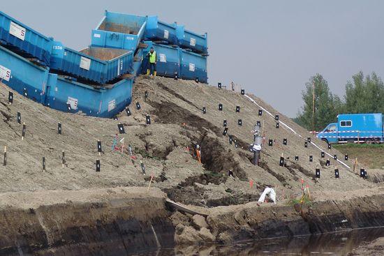 Estabilidad de taludes. Detalle del dique de IJkdijk, tras la rotura del talud