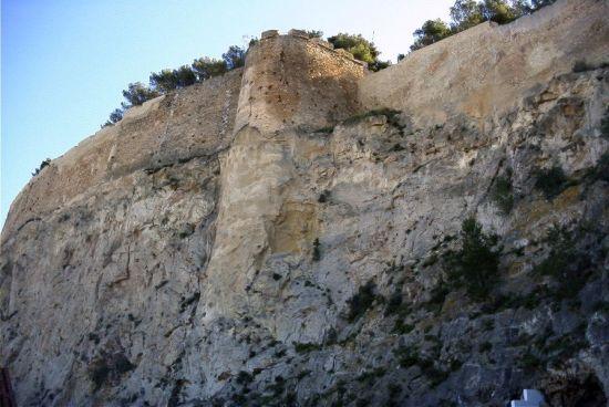 Vista del Recalce de la Torre Norte del Castillo de Denia