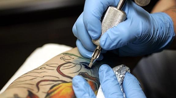 Tatuador en España