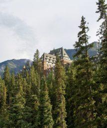 Western Peaks En Route Travel Canada