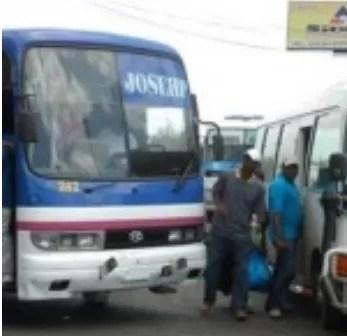 Sindicalistas boicotean transporte de estudiantes en Nagua-Samaná