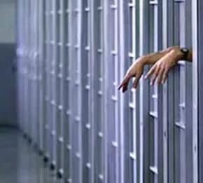 Por error de Ministerio Público, condenado por incesto seguirá en libartad
